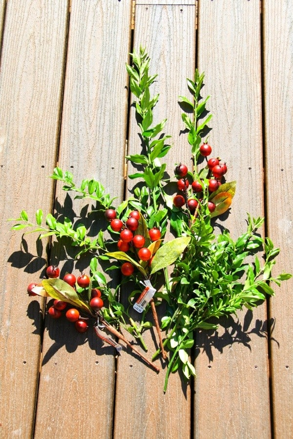 DIY Fall Wreath Tutorial : A Quick and Easy Way to make an Organic Fall Wreath