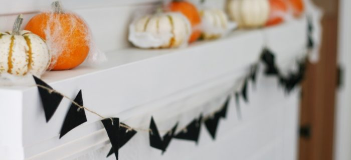 DIY:  A Cute Halloween Banner for your Mantle