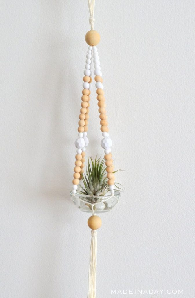 Simple Diy Macrame Necklace: Macrame Projects For The Beginner