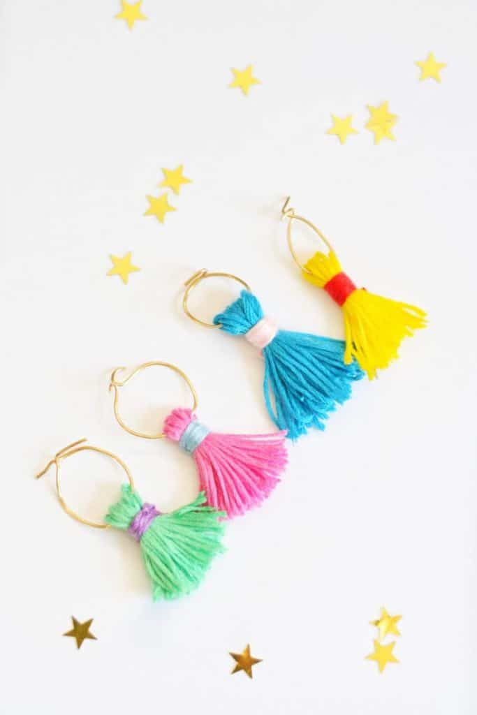 Make your own wine charms out of tassels and bendable wire.