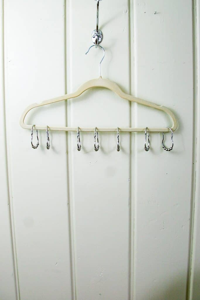 3bd8d6d4974ee A hanger hack for your tank tops - get them organized with this simple  trick!