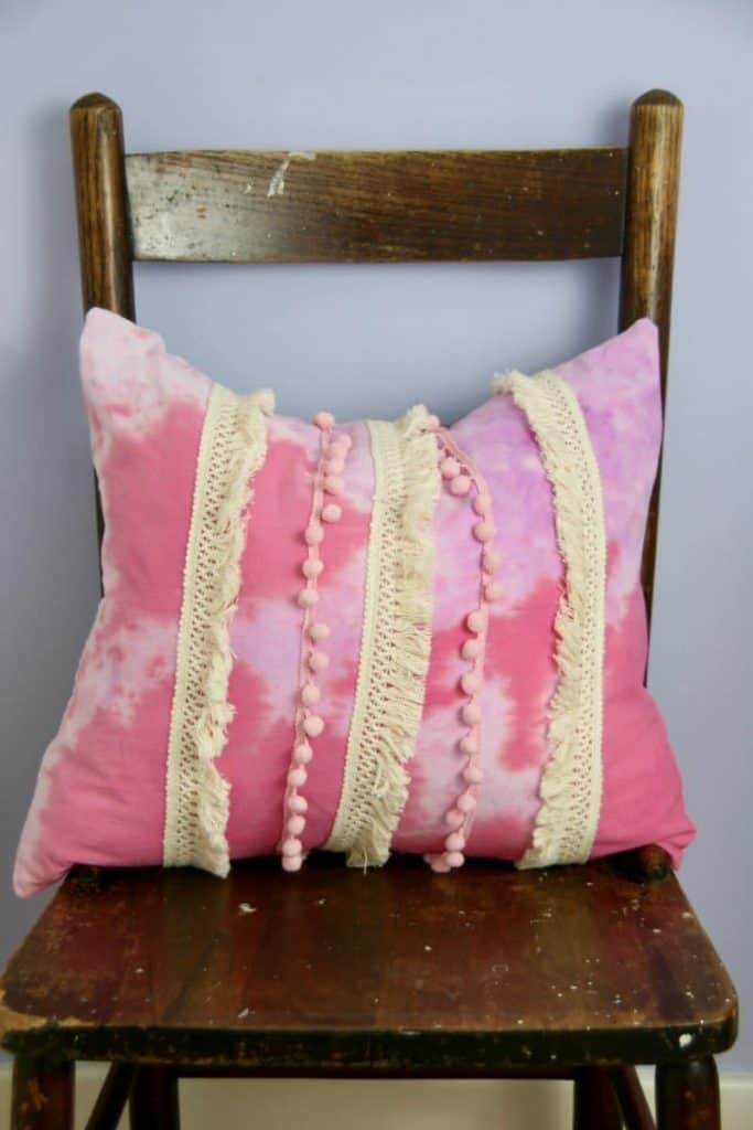 DIY Tie-Dye Pillows! This is a fun project to add a pop of color to your pillow decor. Add some fringes to create a boho vibe.