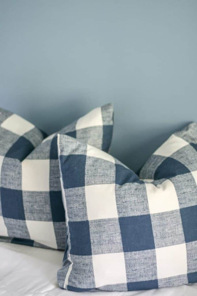 How to Make your Own Throw Pillow Inserts (from a bed pillow!)