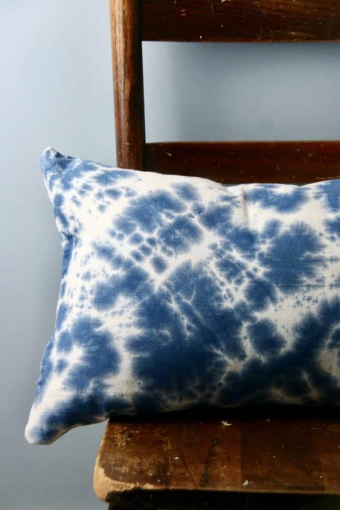DIY Tie-Dye Pillows! This is a fun project to add a pop of color to your pillow decor.