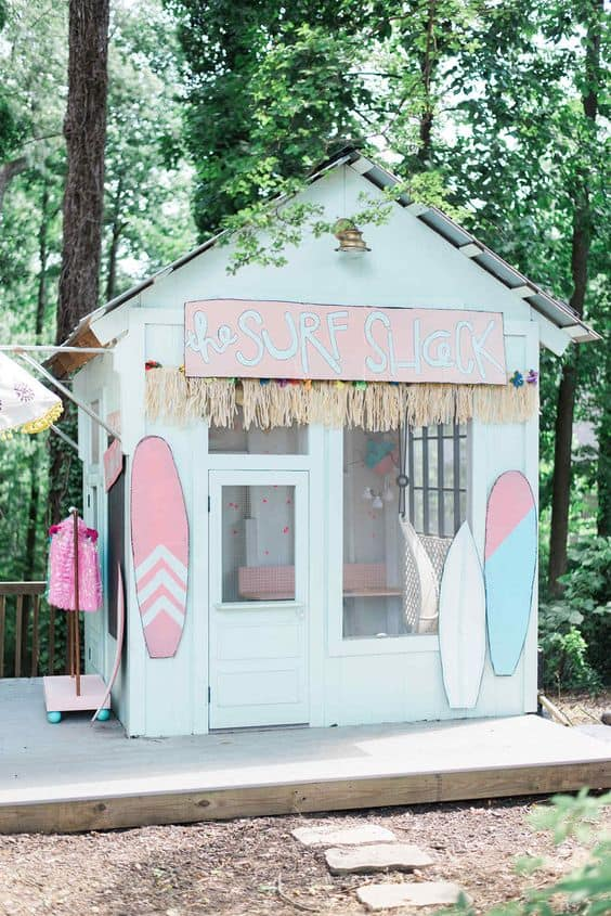 You guys have to see these adorable playhouse makeovers. All it takes is a little creativity, some paint and some kiddie decorations. These playhouse transformations are nothing short of amazing and I hope they inspire you like they have inspired me. All I can say is - I wish I was a kid again!