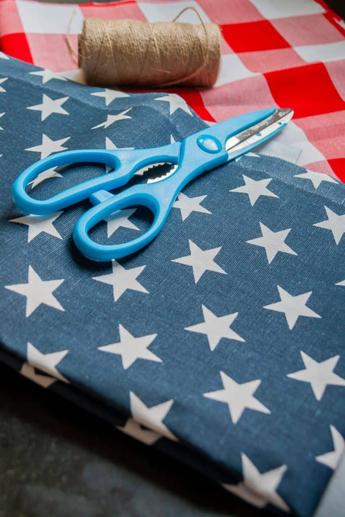 Materials needed to make a banner for 4th of July