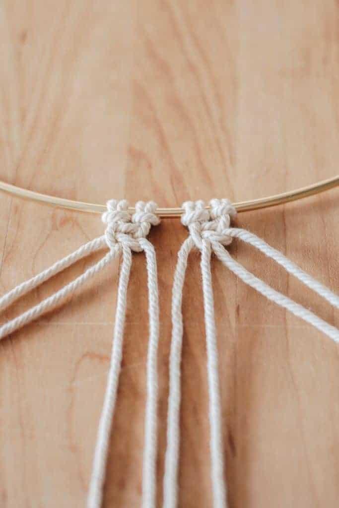 alternating square knot