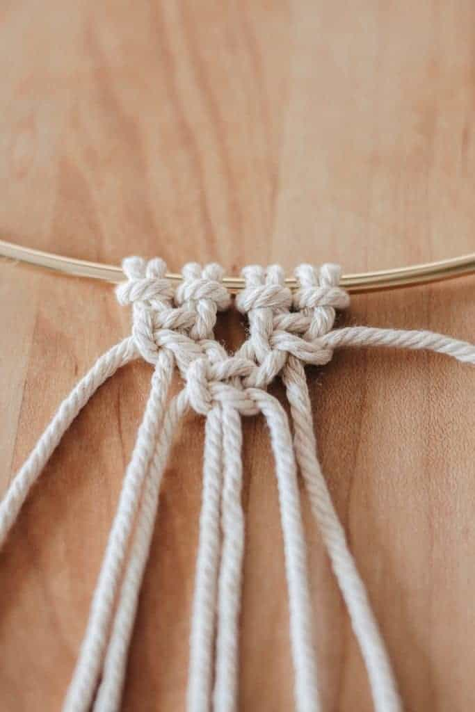 alternating square knot