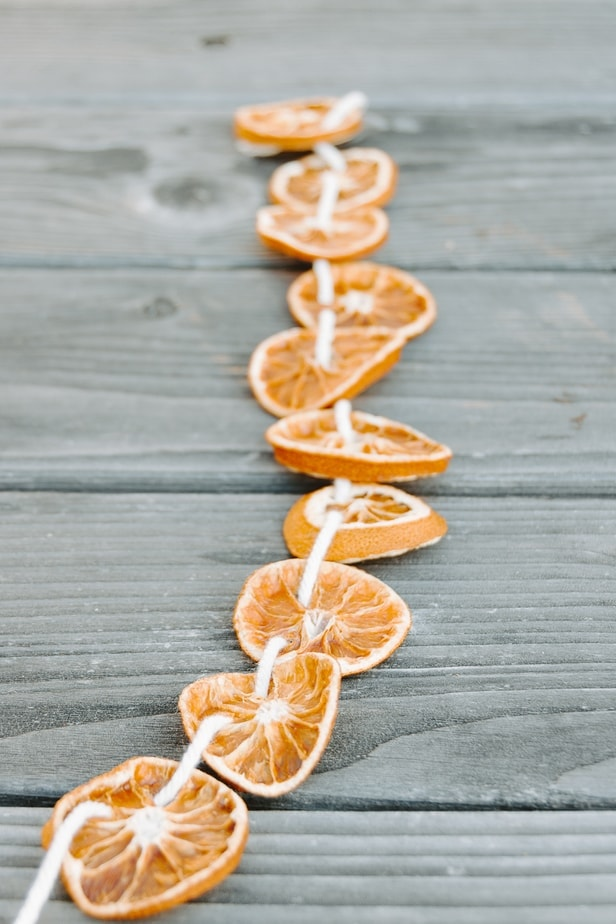 Dried orange garland with rope