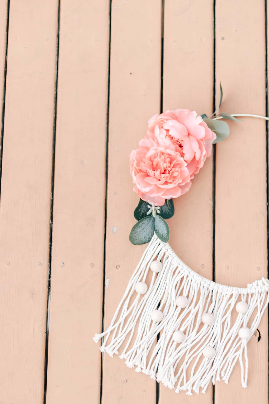 Diy Wall Flowers: The Easiest DIY Wall Hanging (with Beads)