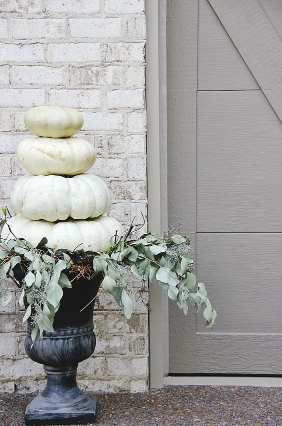 7 Simple and Inexpensive Fall Decor Ideas