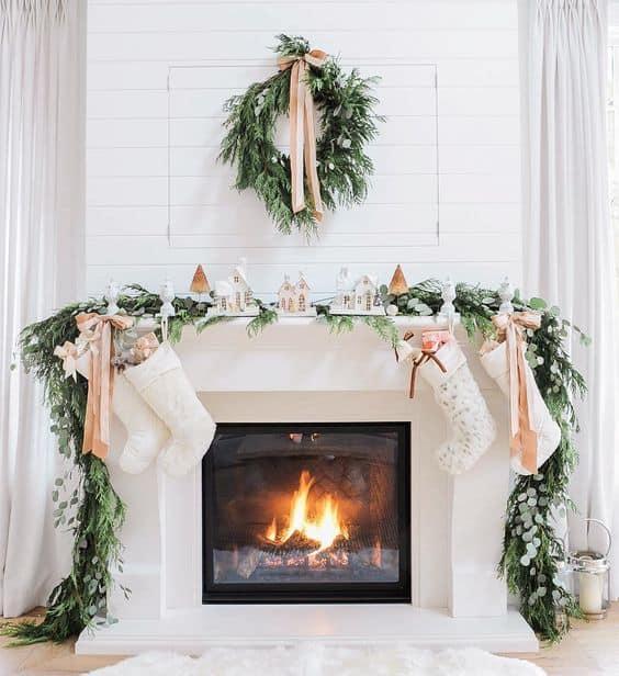Christmas Mantle Garland Ideas you'll LOVE