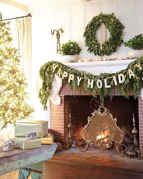 Inside : Christmas mantle garland ideas you'll love. Get some holiday decorating inspiration!
