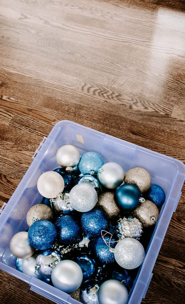 Find out how to Pack Away those Christmas Ornaments properly.  #organizationtips #organization #storageideas #organizationideas