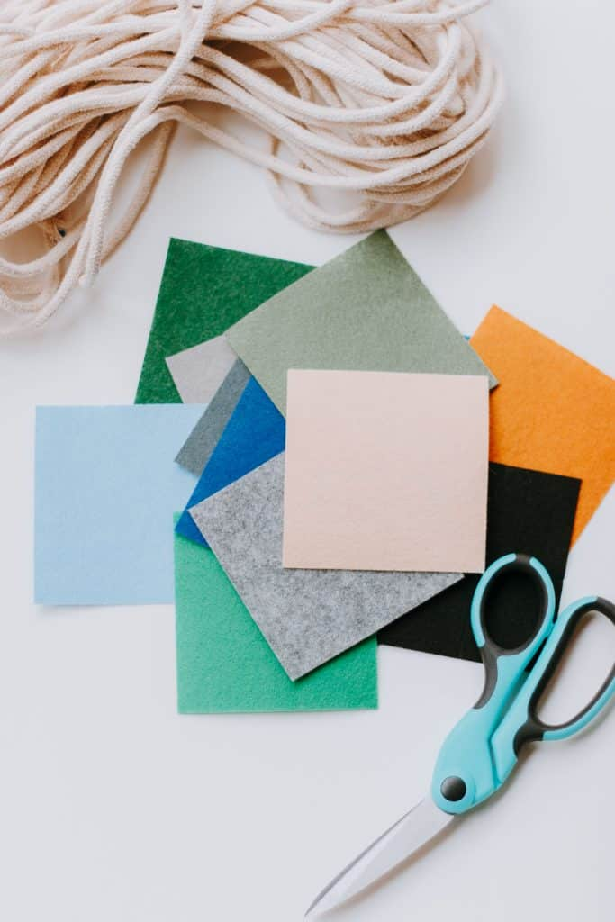 materials needed for felt bunting