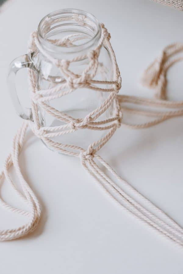 alternating square knots mason jar