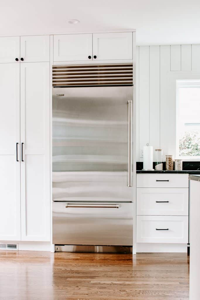 Our New Kitchen Tour - Decor Hint - Before/After Reveal - #kitchenremodel #kitchendesign #beforeandafter #hometour #renovation