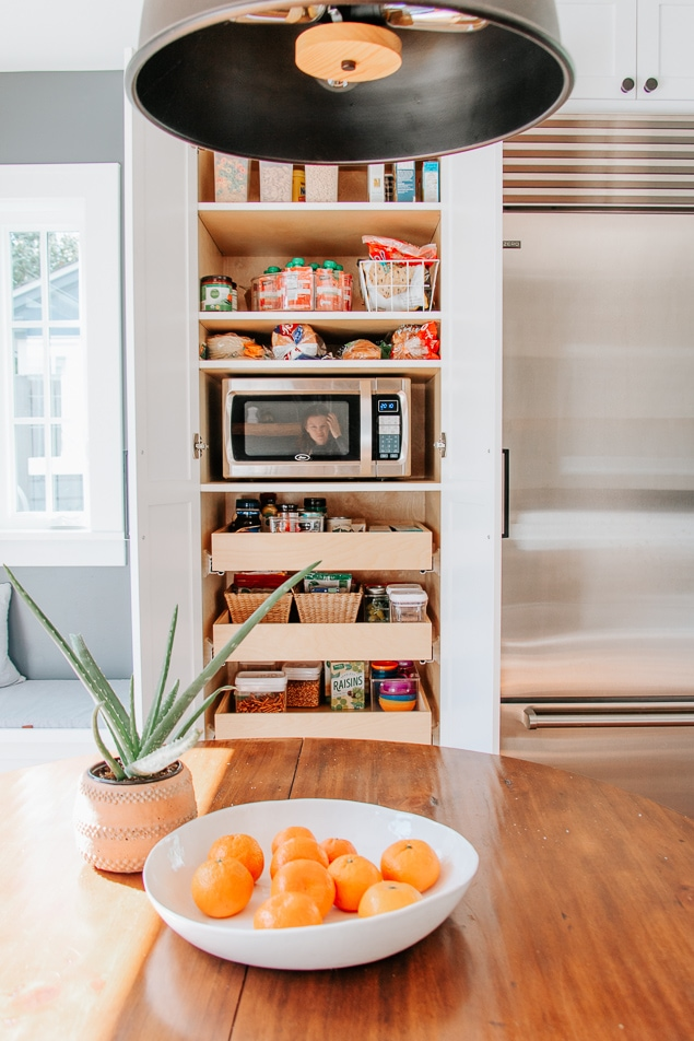 5 Simple Steps to an organized pantry - Who doesn't love an organized pantry?