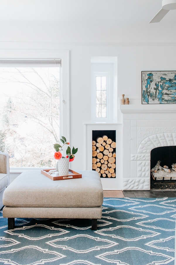 Easy Spring Touches around the Home - When Spring rolls around, I can't help but want to lighten up around here.  I tend to keep things pretty comfortable and minimal, but certainly try to bring some of that gorgeous spring color and other little happy touches into our home.