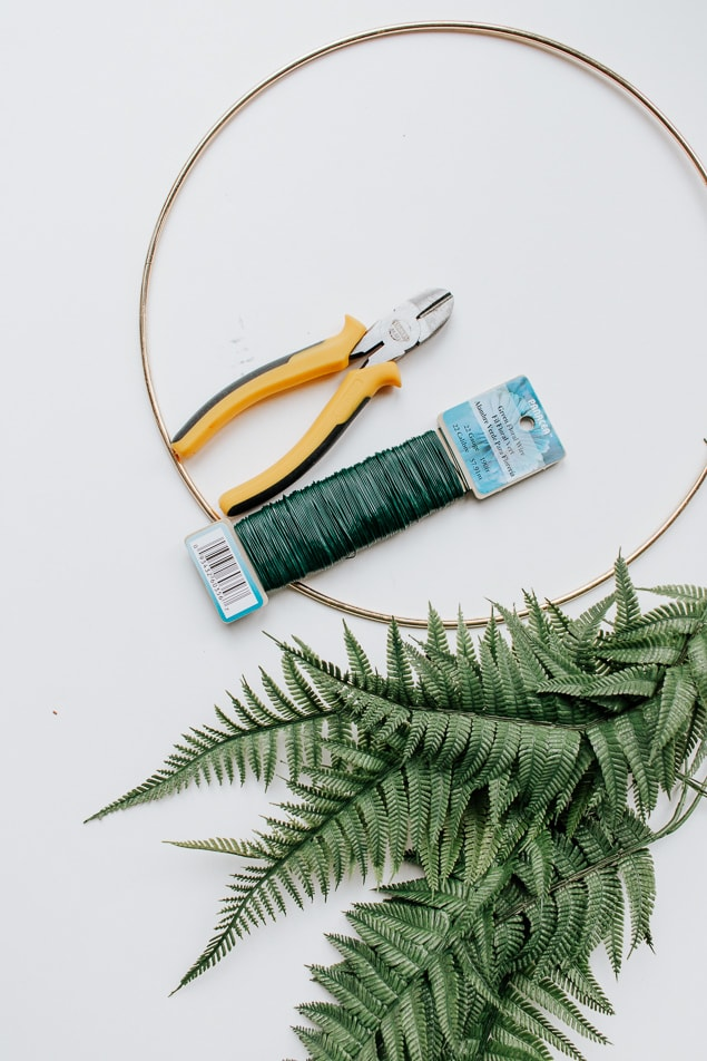materials needed to make a fern wreath diy
