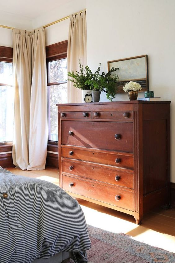 Bedroom Design - Vintage Dresser