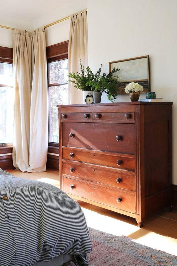Bedroom Design - Vintage Dresser