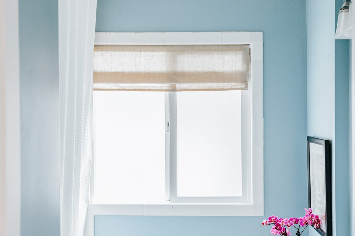 DIY Faux Roman Shade in Bathroom with Linen Fabric (4)