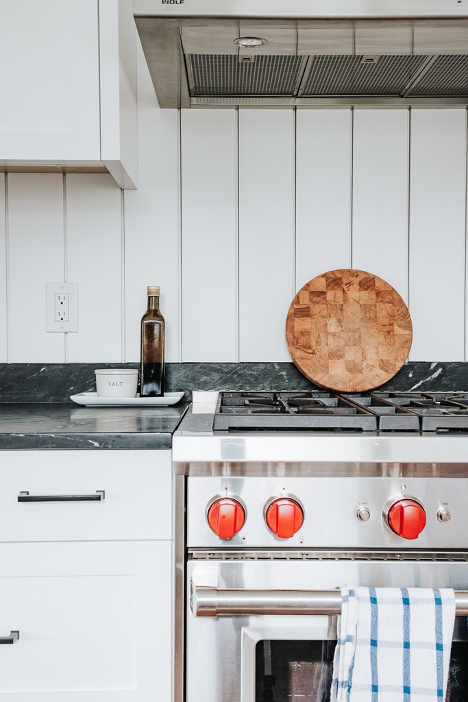 Keep Oil and Salt on Little Trays on Kitchen Counters