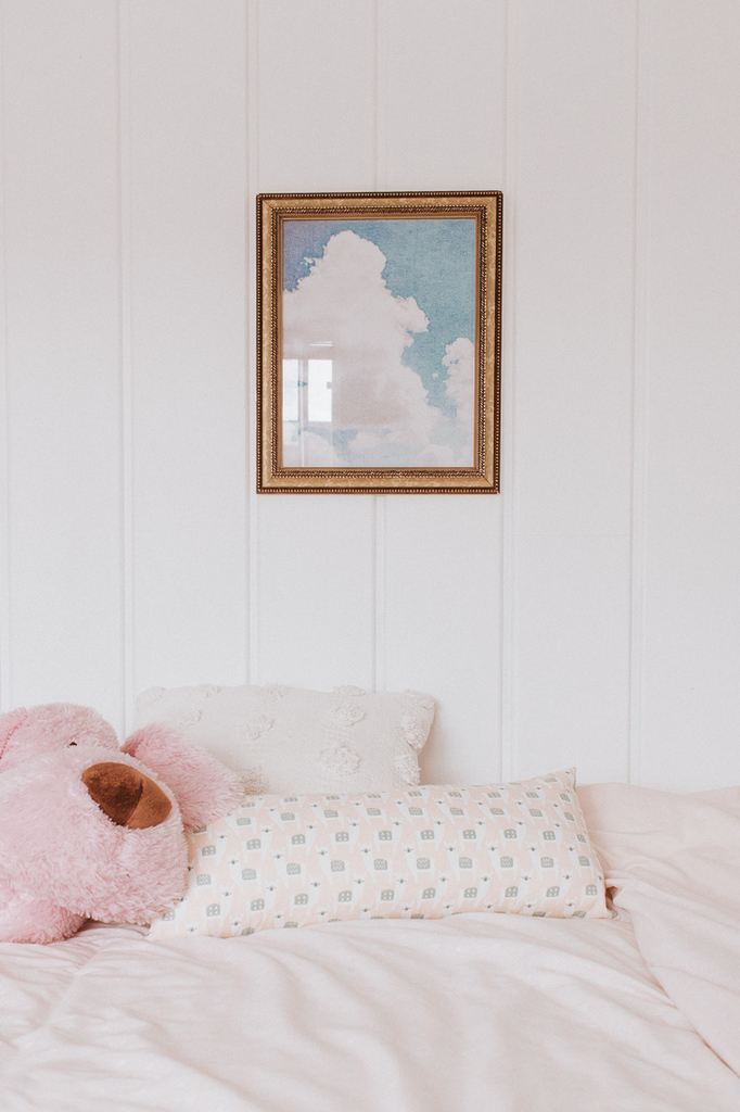 vintage watercolor artwork - inexpensive home decor finds from Amazon and other stores!  Check out this post! #homedecorideas