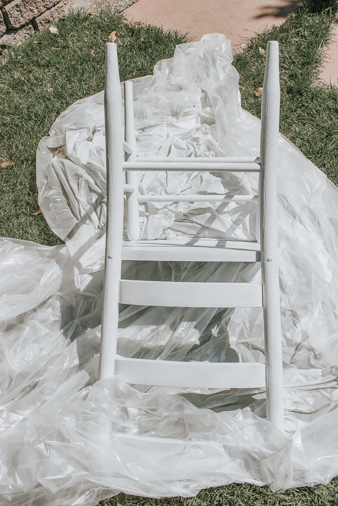 How to Distress Chalk Spray Paint [Video Tutorial] - How to use and how to distress chalk spray paint. If you want to easily create a distressed look on your furniture, follow this tutorial. See the before and after of this beautiful antique chair.