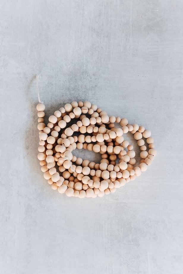 how to make a christmas tree bead garland - Christmas Decor Ideas - Decor Hint