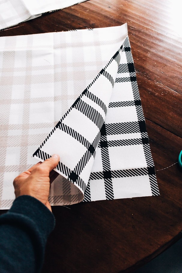 lining up fabric before sewing - DIY Placemats