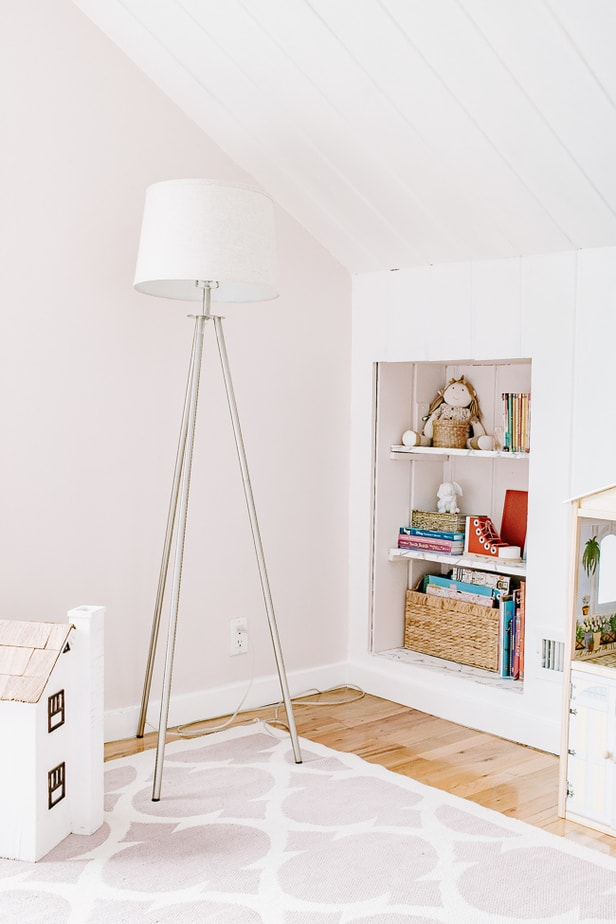Built in Shelving, Lamp in Girls Pink Room