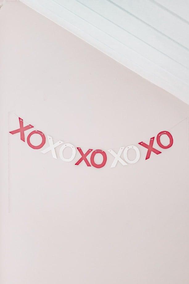paper xo valentines day garland