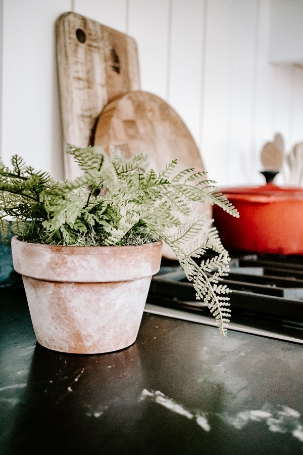 DIY aged terra cotta pots