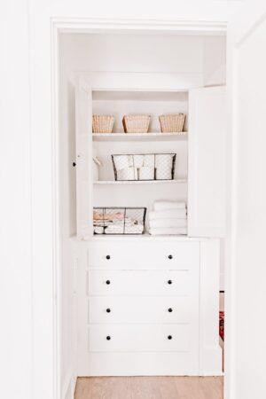 Small Linen Closet Organizations Tips and Ideas