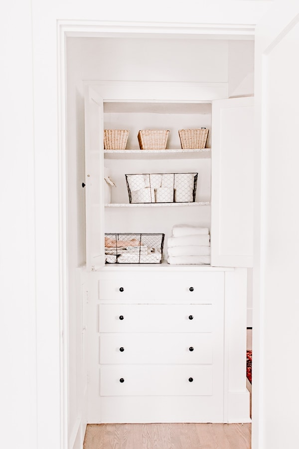 Small Linen Closet Organizations Tips and Ideas