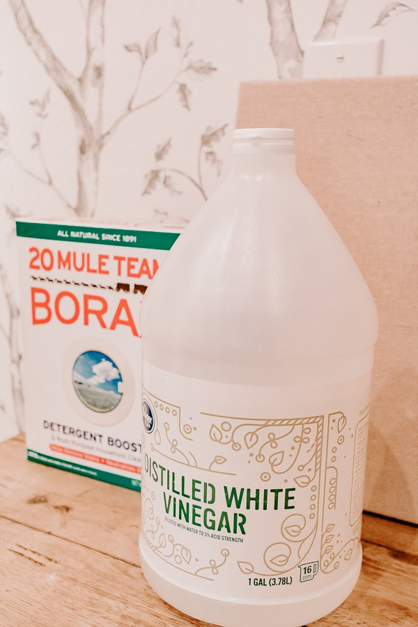 Borax and vinegar for smelly towels