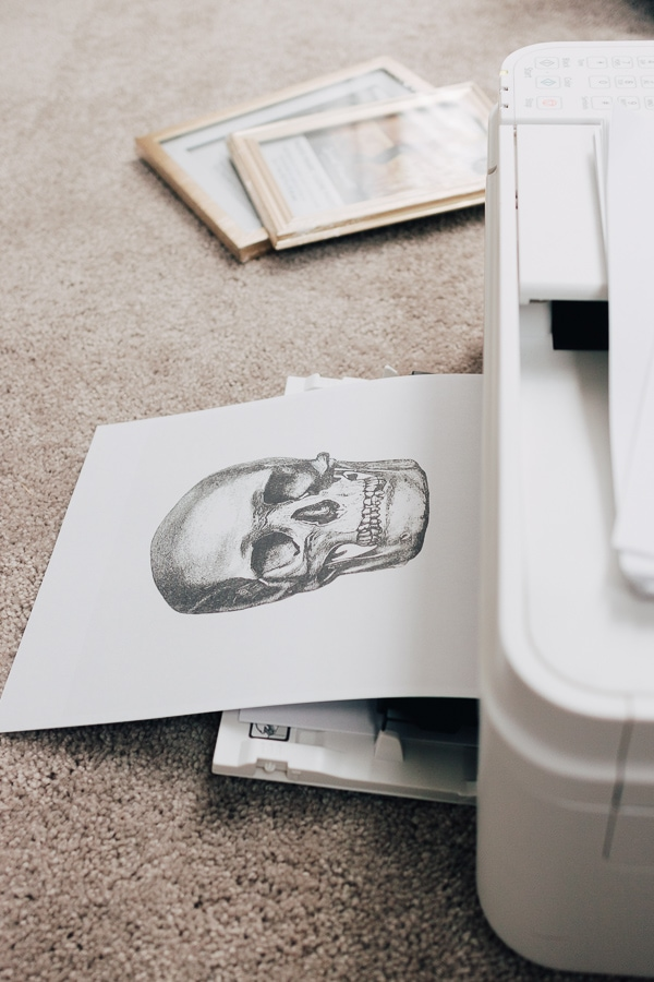 printing out a skull artwork