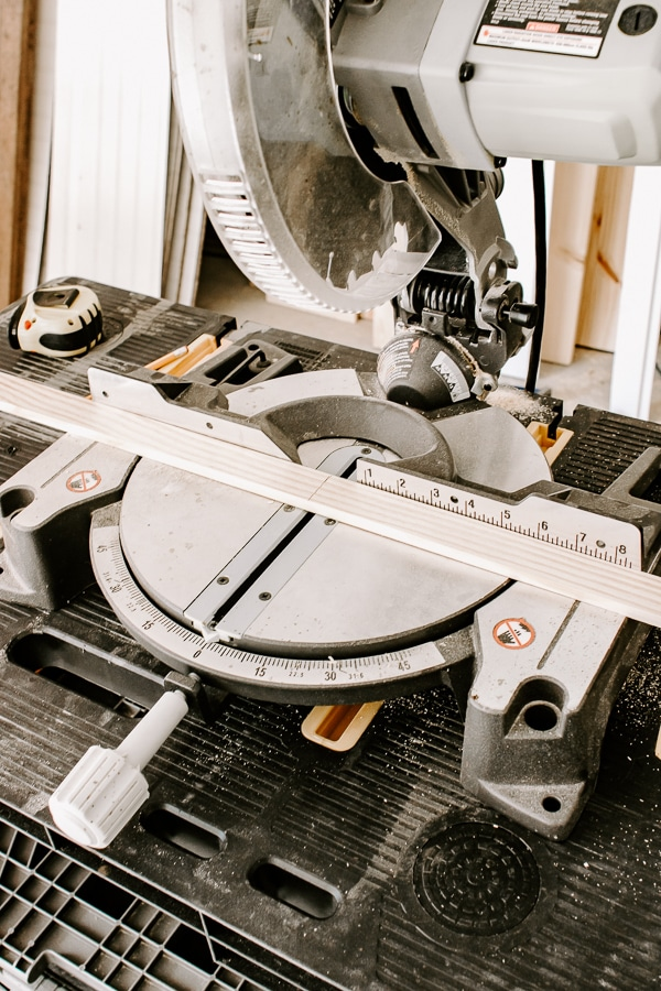a photo of a circular saw