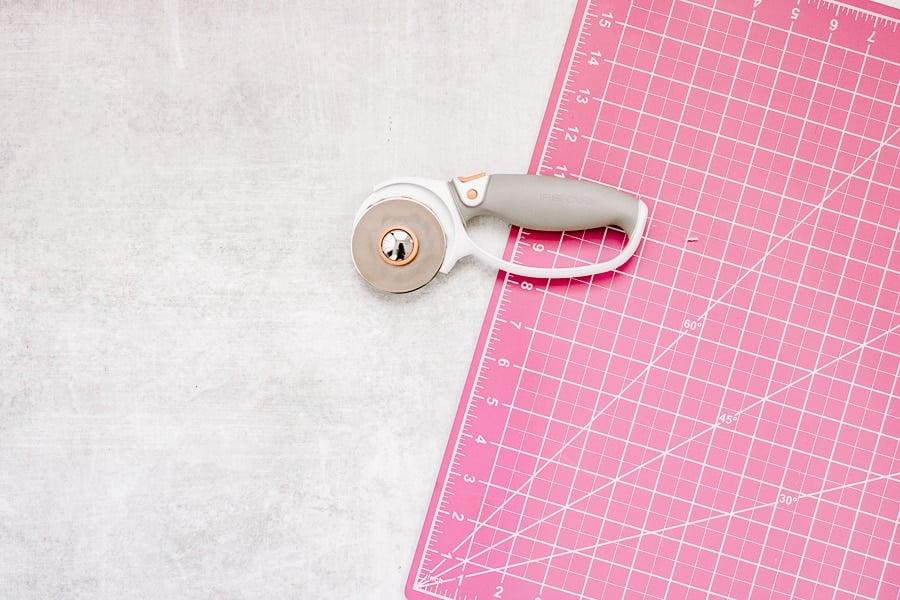 rotary cutter and self healing mat