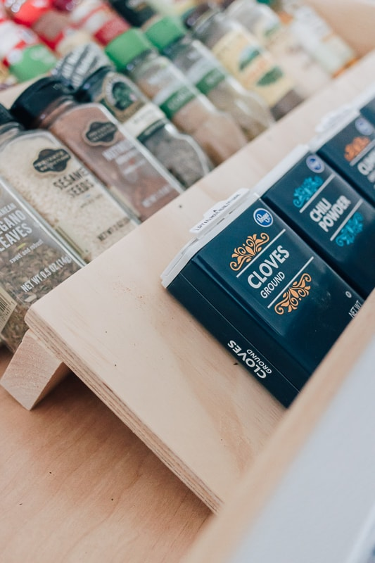how to organize your spices in your drawers