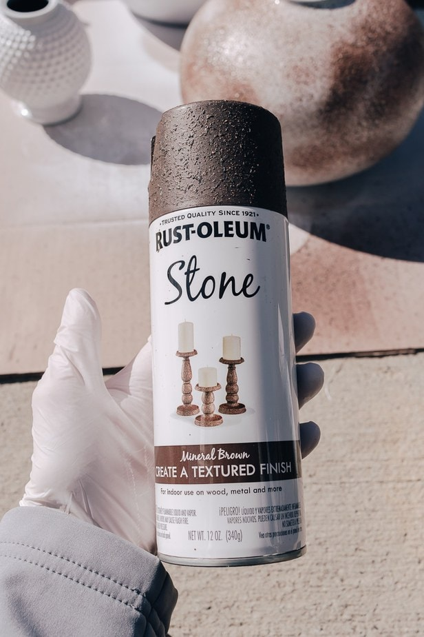 textured spray paint for vase project - how to make a vase look old