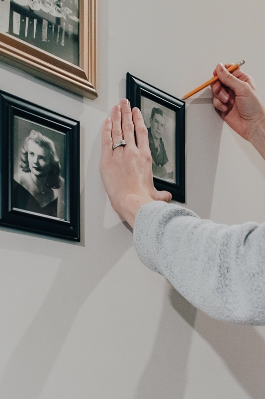 hanging a gallery wall with command strips