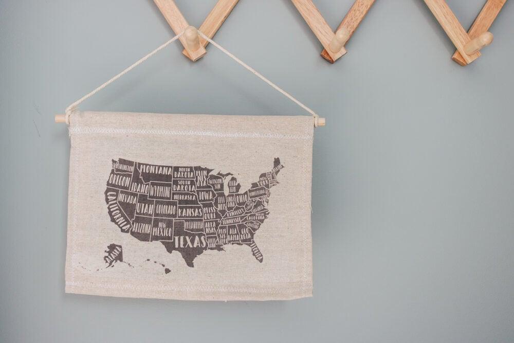 DIY Canvas Wall Hanging Tutorial - kids wall art - the USA