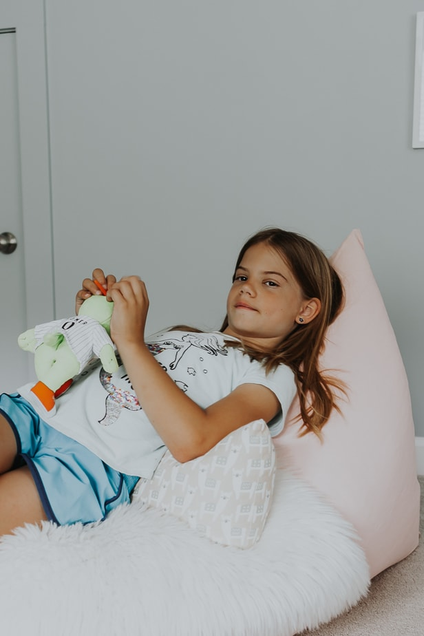 girl in a bean bag chair - how to make a bean bag chair for a child - full tutorial in post!