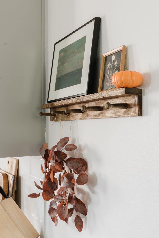 shaker peg rail with shelf - full tutorial in post!