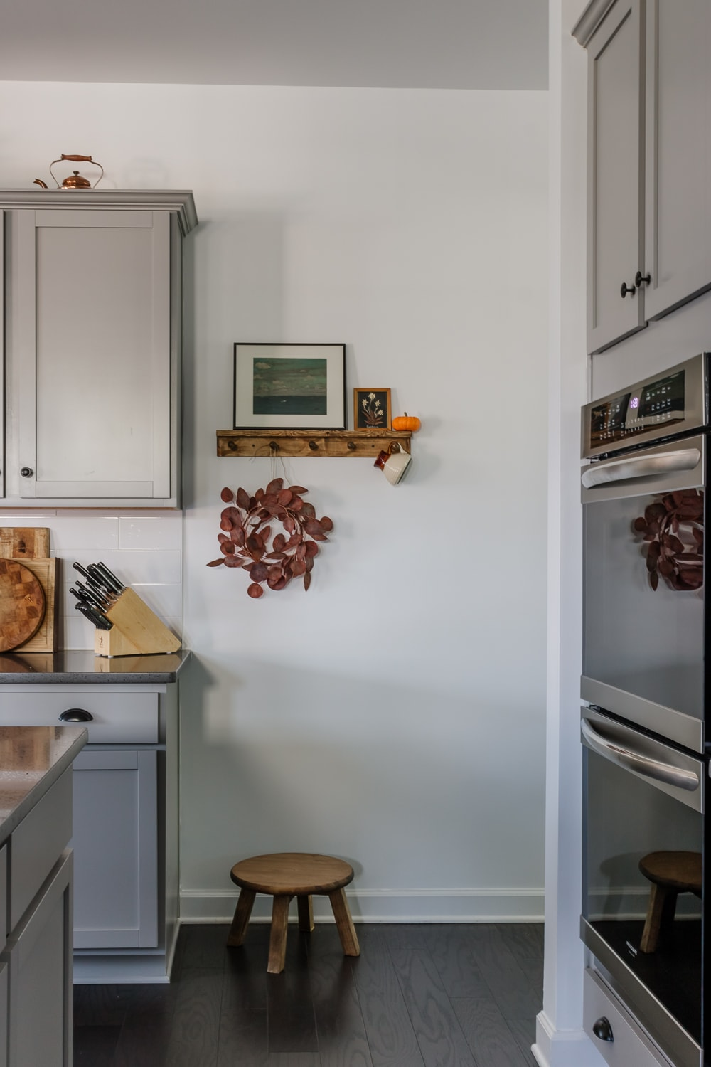 shaker style peg rail with shelf in a kitchen - how to tutorial in post